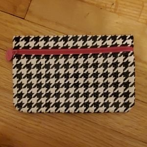 ipsy cosmetic bag. almost new